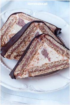 Zdjęcie: Chatka baby jagi (chatka puchatka) No Bake Desserts, Easy Desserts, Dessert Recipes, Cheesecake Recipes, Cookie Recipes, Vegan Recipes, Sweets Cake, Cupcake Cakes, Serbian Recipes