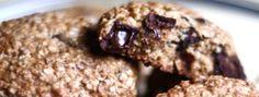 Dans un bol, bien mélanger tous les ingrédients sec, sauf les pépites de chocolat. Incorporer au mélange de beurre... Baked Goods, Biscuits, Snacks, Cookies, Chocolate, Baking, Sweet, Desserts, Sauf