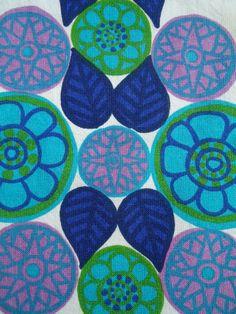 a vintage friendship - modflowers Floral Patterns, Vintage Patterns, Vintage Designs, Print Patterns, Aqua Fabric, Quilt Festival, Vintage Fabrics, Pattern Paper, Vintage Floral