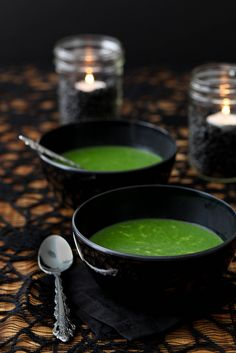 Witches' Brew (cheesy spinach) Soup | #fall #autumn #halloween #treats