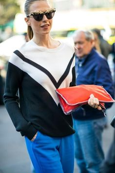 Pop of color / street style