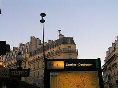 Métro Censier - Daubenton, Paris 5e, M7 Metro Paris, France, Spaces, Plants, Travel, Places, French