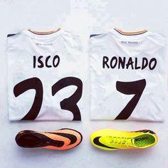 Isco y Ronaldo Adidas Predator Lz, Real Madrid Football Club, Messi 10, Isco, Galaxy Print, Football Boots, Man Crush, Cristiano Ronaldo, Sportswear