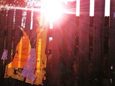 SONNTAG: Ins Hinterland/durch hundert Kurven/ringsum eingesuppt/Hat der alte  stillgelegte Bahnhof/sich als Zufluchtsort entpuppt/Dem Flusse lauschend/Takte zähl'n/  nichts was stört/Im Herzen bullert's  und gen Mittag/macht der Nebel kehrt  /ernst bohne 2012 (Text/Foto)