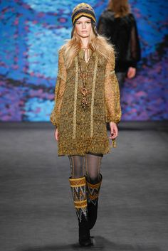 Anna Sui Fall 2015 Ready-to-Wear (Great collection. One of my favorites from New York Fashion Week this year!) <3