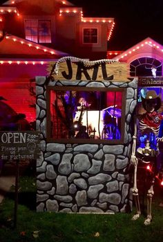 Photo Credit: Heather Leatham | Grandin Road Spooky Décor Challenge 2016