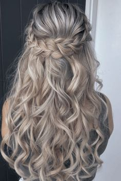Braided Hairstyles For Wedding, Pretty Hairstyles, Style Hairstyle, Hairstyle Ideas, Hairstyles Haircuts, Braid And Curls Hairstyles, Curly Hairstyles For Prom, Wedding Hair With Braid, Hairstyles For Bridesmaids