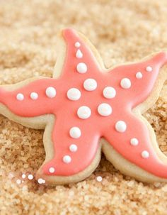 2014 coral pink beach wedding cookies, DIY beach wedding cookies idea.