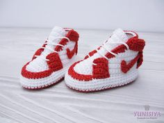 Crochet baby shoes Crochet baby booties 0-3 months Athletic shoes Crochet sneakers Nike sneakers Air Jordan Baby Red and white by Yunisiya on Etsy