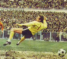 Jan van Beveren, actiefoto tijdens interland Joegoslavie - Nederland (2-0) begin jaren zeventig.