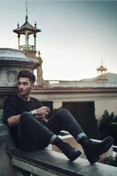 Tony mahfud men: jeans, cargos, & casual pants photography poses for me Male Models Poses, Male Poses, Men Models, Tony Mahfud, Instagram Boys, Instagram 2017, Pose Mannequin, Mens Photoshoot Poses, Portrait Photography Poses