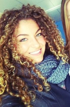 Popular Curly Hair Styles Women