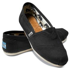 Black Toms - I want a pair of these sooo bad! Just simple, black TOMS!
