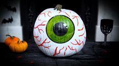 Pumpkin Carving Ideas for Halloween 15 of The Best Pumpkin Carvings Of 2015 Pumpkin Eyes, Pumpkin Art, Best Pumpkin, Creepy Halloween Decorations, Halloween Pumpkins, Halloween 2015, Halloween Party, Halloween Ideas, Halloween Stuff
