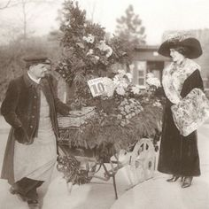Fleuriste avec sa petite voiture ambulante des quatre saisons. / Florist. / Bois-de-Boulogne, Paris, 1910.