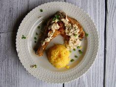 Kurczak z sosem z mascarpone i pieczarkami