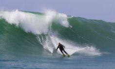 almasurf.com De esqui, Chuck Patterson dropa bombas em Jaws no último dia de 2012