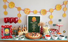 Best Pizza Party IdeasPizza parties are so deliciously popular! See how to make your pizza parties into true celebrations with these Pizza party ideas -- everything from decorations to desserts. Festa Party, Diy Party, Party Favors, Party Ideas, Pizza Party Themes, Birthday Pizza, Mindful Eating, Good Pizza, Italian Home