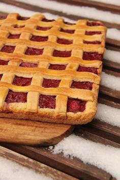 Tarta capsuni/ Pick your own Strawberry pie Strawberry Pie, Waffles, Breakfast, Recipes, Food, Pies, Meal, Eten, Recipies