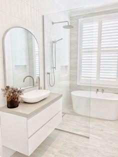 Laundry In Bathroom, Bathroom Style, Interior, Home, Modern Bathroom Design, Bathroom Styling, Bathroom Interior, Hampton Style Bathrooms, Small Bathroom Makeover