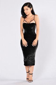 Rich Like Velvet Dress - Black