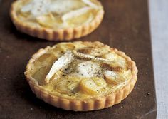 Fingerling and St. Andre tartlets.  This is one of those recipes I'm going to serve at the dinner party I'll never have. Cheese Recipes, Pie Recipes, Dessert Recipes, Potato Recipes, Potato Pasta, Potato Pie, Brie, Fingerling Potatoes, Savory Tart