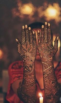 If you are looking for bridal mehndi designs for full hands front and back, then this beautiful design right here is a great inspiration for the backside of your hands. Latest Bridal Mehndi Designs, Back Hand Mehndi Designs, Mehndi Designs 2018, Dulhan Mehndi Designs, Mehndi Design Photos, Wedding Mehndi Designs, Unique Mehndi Designs, Beautiful Mehndi Design, Mehendi