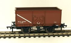 Bachmann 37-426C  16t Slope sided mineral wagon
