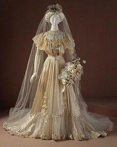 Kuvahaun tulos haulle 1910 wedding dress