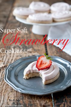 Super Soft Strawberry Cookies with Strawberry Mascarpone Frosting Candy Recipes, My Recipes, Cookie Recipes, Favorite Recipes, Sweet Recipes, Healthy Recipes, Strawberry Cookies, Strawberry Recipes, Strawberry Syrup
