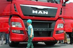 Męska wyprawa do Fabryki MAN'a