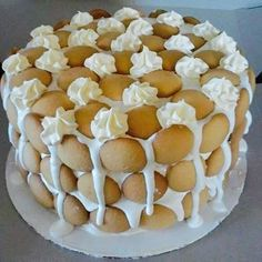 2 sticks butter, softened 1 cups sugar 3 eggs + 2 egg whites 3 tsp vanilla 3 cups all-purpose flour 3 tsp baking powder One box banana pudding mix 1 cup milk. Just Desserts, Delicious Desserts, Yummy Food, Yummy Treats, Sweet Treats, Best Banana Pudding, Bannana Pudding, Bannana Cake, Banana Pudding Cheesecake