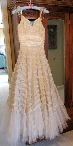 pretty white vintage dress