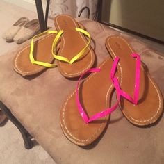 Aerie size 7 flip flops ✨ *bundle add on* ✨ Pink & yellow aerie flip flops size 7, 2 for 1! aerie Shoes Sandals