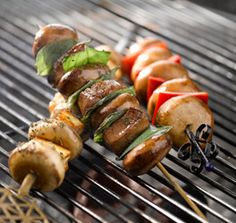 Halloumi and mushroom skewers with green salsa Braai Recipes, Healthy Recipes, Healthy Foods, Yummy Eats, Yummy Food, Tasty, South African Recipes, Ethnic Recipes, Green Salsa
