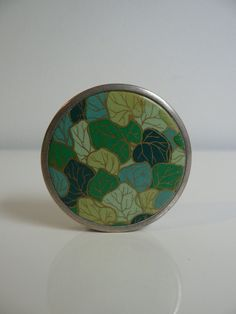 Art Deco French green leaf enamel Compact, 1930s mirror compact / france compact