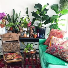 Diligent Meditation Room ideas Sign me up now Morning Meditation, Zen Meditation, Meditation Cushion, Bunch Of Flowers, Home Decor Styles, Bohemian Decor, Indoor Plants, Indoor Garden, Decoration