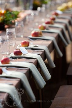 Great table settings for corporate, social, wedding or any event. Love the rustic/classic appeal.