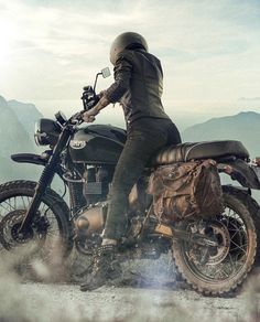 Visit several of my most desired builds - handpicked scrambler ideas like this Womens Motorcycle Helmets, Tracker Motorcycle, Scrambler Motorcycle, Motorcycle Style, Motorcycle Adventure, Cafe Racer Girl, Cafe Racer Build, Triumph Cafe Racer, Triumph Motorcycles