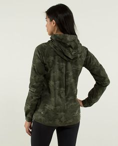 camo rise and shine jacket size 10  athletic outfits