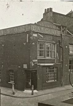 The Lantern Slides of Old London- the Anchor at Bankside Victorian London, Vintage London, Old London, London Pubs, London Street, London History, British History, South London, London Life