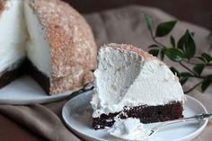 Insåg när jag skulle döpa denna kladdkaka att skumbollen har väldigt många namn - gräddbulle, mums-mums, kokosboll, kokosmunk, kokostopp, ja det finns nog fler! Men eftersom det bara är skum på… Different Cakes, Fika, I Foods, Vanilla Cake, Sweet Tooth, Muffins, Brunch, Pudding, Sweets