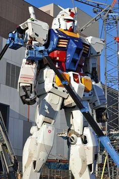 Scale Gundam in Japan Arte Gundam, Gundam Wing, Gundam Art, Cyberpunk, Robot Cartoon, Gundam Wallpapers, Gundam Mobile Suit, Mecha Anime, Super Robot