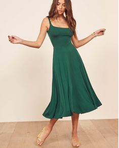 The Mary Dress <br> As easy as it looks. This is a midi length, fit and flare dress with a scoop neckline. The Mary is fitted in the bodice with an easy fitting skirt. Fit And Flare, Tank Dress, Dress Up, Look Fashion, Fashion Outfits, Fashion Trends, Womens Fashion, Fashion 2018, Dress Fashion