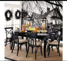 How do You Decorate for Halloween? Share with us your Halloween Decorating Ideas. Do you decorate your house indoors, outdoors or both? What is your favorite part or decoration? Take a look at some of our favorite Halloween decorating ideas. Diy Halloween, Halloween Chique, Halloween Motto, Halloween Elegante, Halloween Orange, Shabby Chic Halloween, Table Halloween, Pottery Barn Halloween, Holidays Halloween