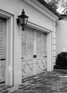 Garage Doors - Menzer McClure Architects