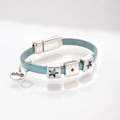Bracelet pour petite fille ou petit garçon avec deux passes cuir étoile et un passe cuir carré