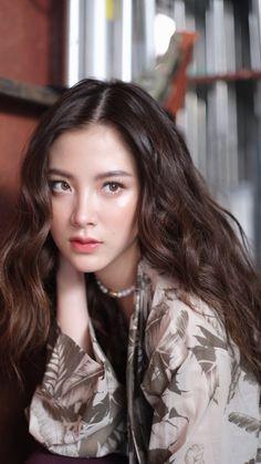 Beautiful Girl Image, Beautiful Asian Girls, Girl Photo Poses, Girl Photos, Korean Beauty, Asian Beauty, Cute Couples Kissing, Singer Fashion, Pinterest Girls