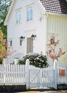 Sweet little cottage...