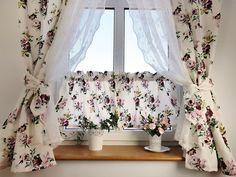 Cream Curtains, Valance Curtains, Design Case, Küchen Design, Purple Kitchen Decor, Comedor Shabby Chic, Bay Window Treatments, Curtain Patterns, Romantic Homes